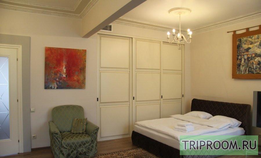 3-комнатная квартира посуточно (вариант № 69919), ул. Невский проспект, фото № 10