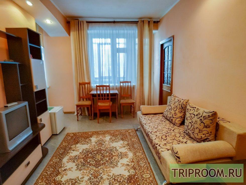 2-комнатная квартира посуточно (вариант № 60531), ул. Комсомольский проспект, фото № 2