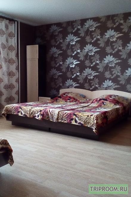 1-комнатная квартира посуточно (вариант № 9357), ул. 45 Стрелковой Дивизии улица, фото № 3