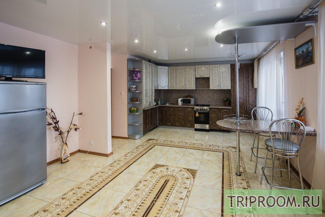 3-комнатная квартира посуточно (вариант № 57786), ул. Николаева улица, фото № 1