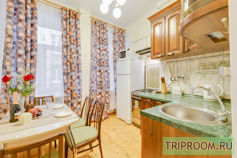 2-комнатная квартира посуточно (вариант № 44246), ул. Яблочкова улица, фото № 12