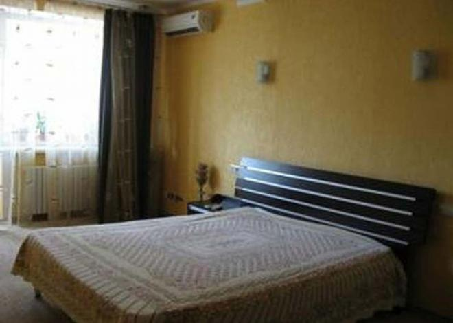 3-комнатная квартира посуточно (вариант № 140), ул. Челюскинцев улица, фото № 3