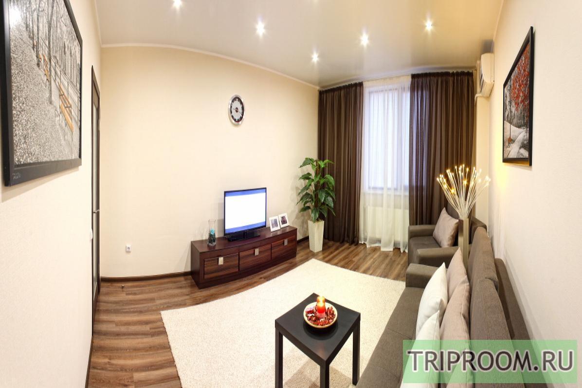 2-комнатная квартира посуточно (вариант № 1810), ул. Античный проспект, фото № 1