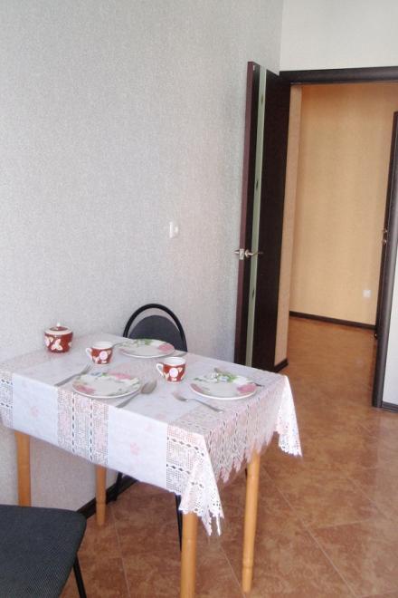 1-комнатная квартира посуточно (вариант № 1710), ул. Челнокова улица, фото № 2