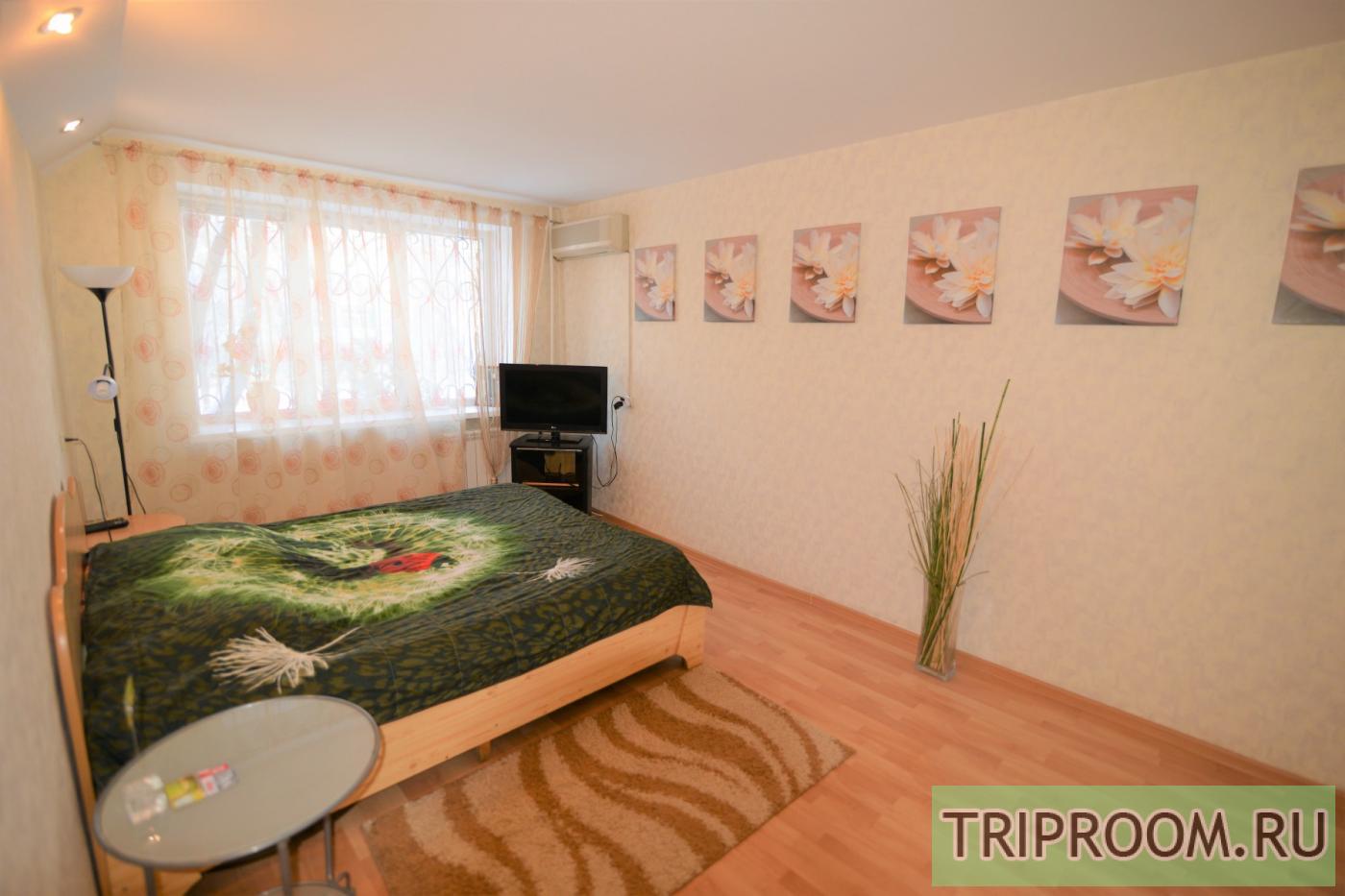 1-комнатная квартира посуточно (вариант № 2140), ул. Фридриха Энгельса улица, фото № 1