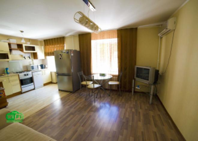 3-комнатная квартира посуточно (вариант № 202), ул. Уссурийский бульвар, фото № 2