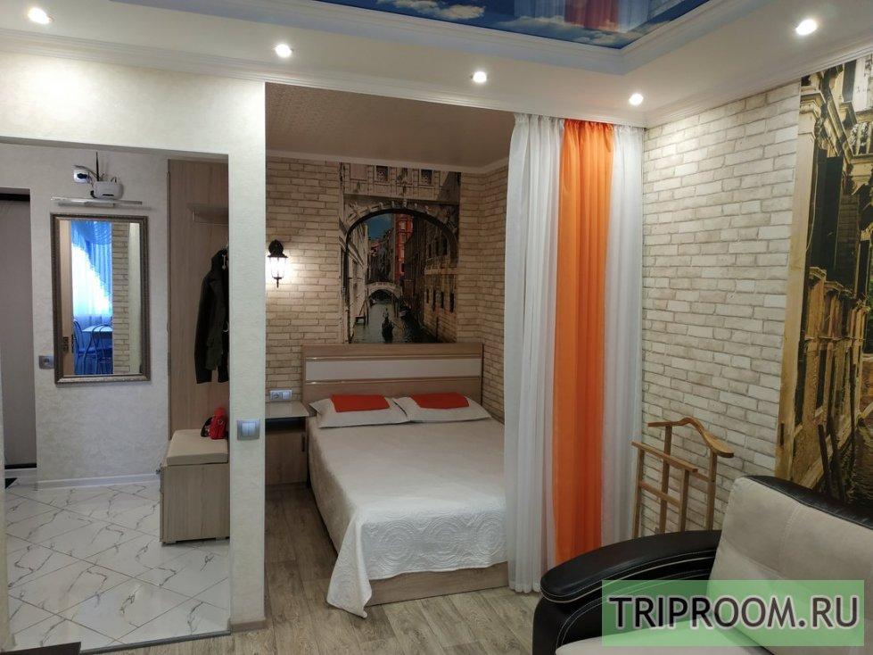 1-комнатная квартира посуточно (вариант № 1052), ул. Октябрьской Революции проспект, фото № 1
