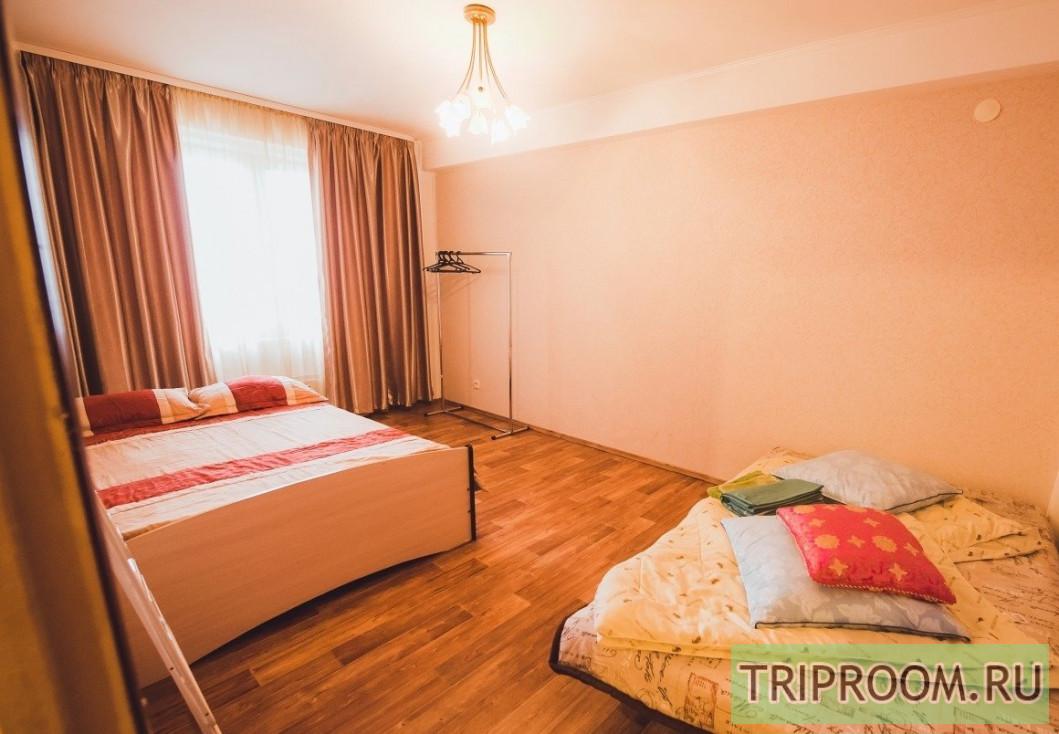 2-комнатная квартира посуточно (вариант № 70231), ул. Билимбаевская, фото № 1