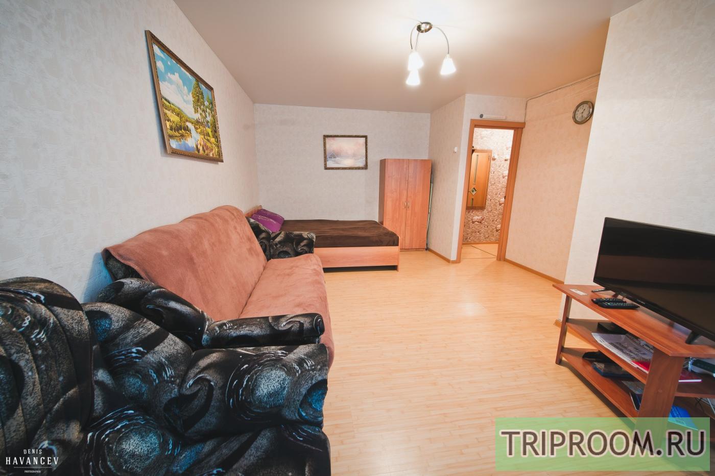 1-комнатная квартира посуточно (вариант № 14829), ул. Космонавтов набережная, фото № 1