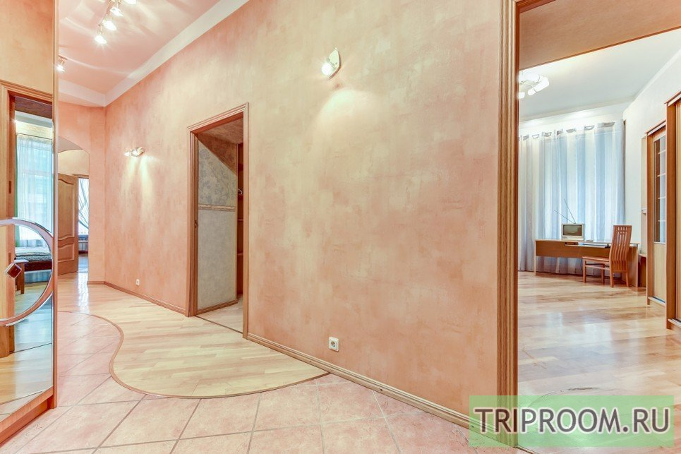 4-комнатная квартира посуточно (вариант № 55589), ул. Невский проспект, фото № 18