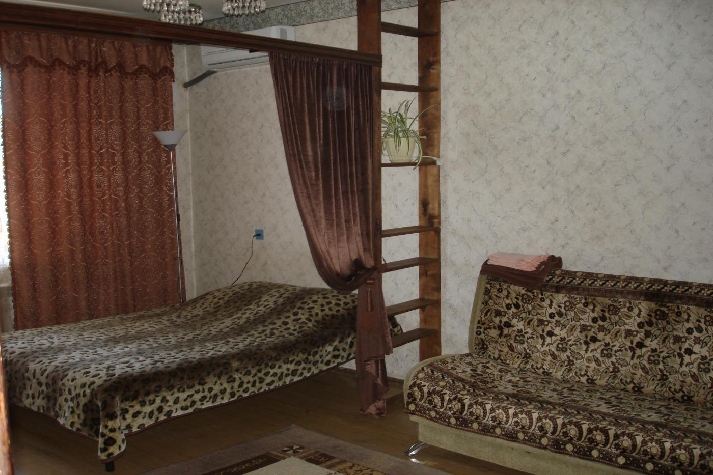 2-комнатная квартира посуточно (вариант № 603), ул. лизюкова улица, фото № 2