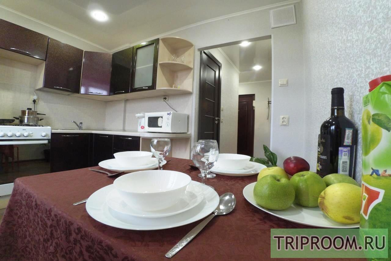 1-комнатная квартира посуточно (вариант № 20988), ул. АДОРАТСКОГО, фото № 1