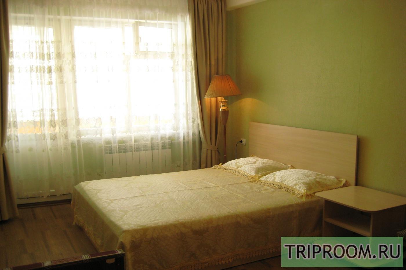 1-комнатная квартира посуточно (вариант № 852), ул. Октябрьской Революции проспект, фото № 1