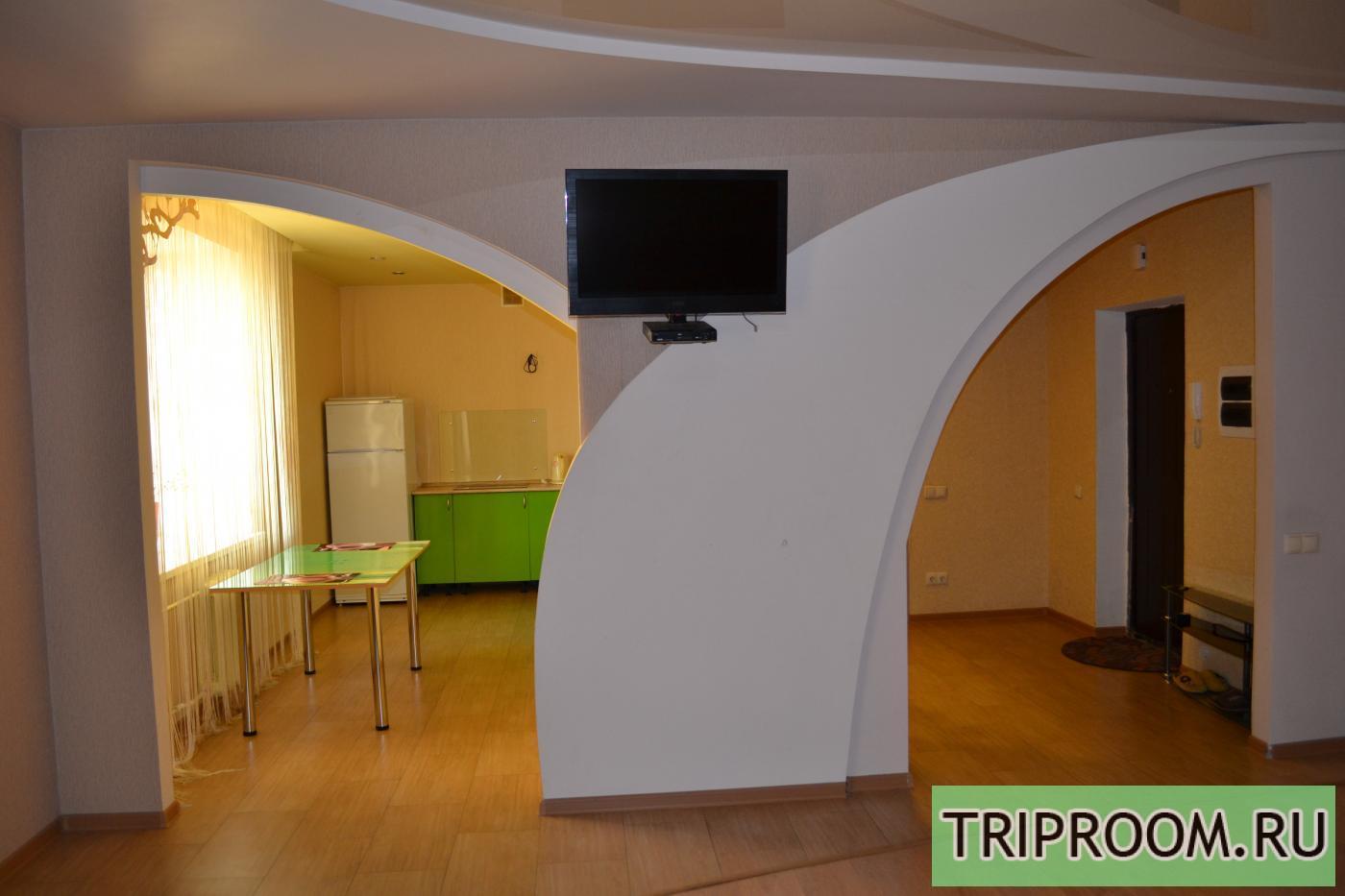 1-комнатная квартира посуточно (вариант № 591), ул. Революции проспект, фото № 2
