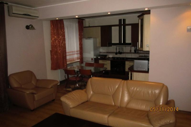 2-комнатная квартира посуточно (вариант № 437), ул. Коммунистическая улица, фото № 6