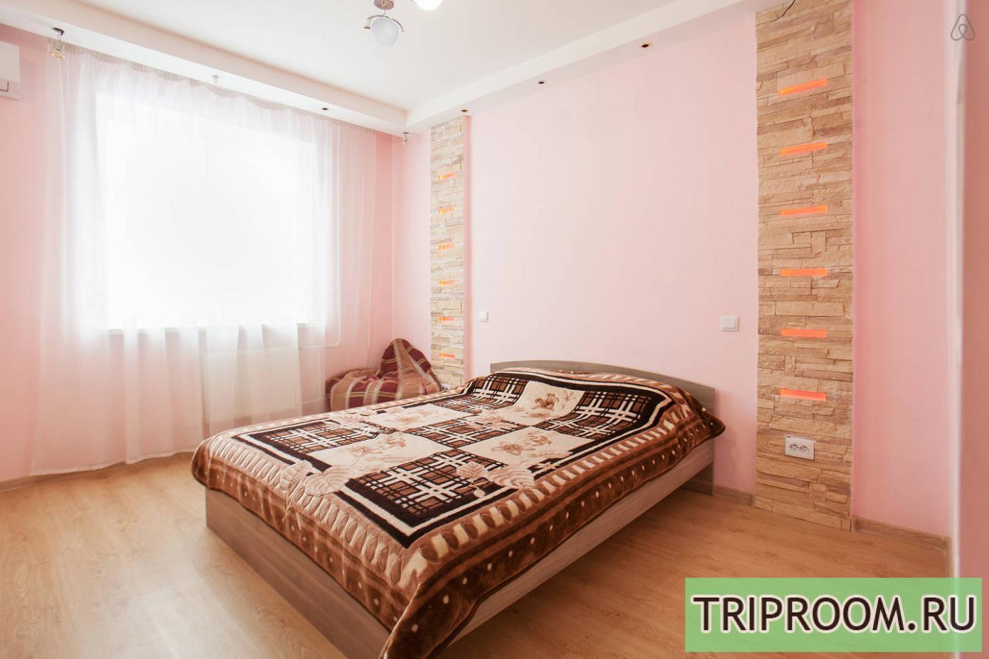 3-комнатная квартира посуточно (вариант № 1242), ул. Островского улица, фото № 1
