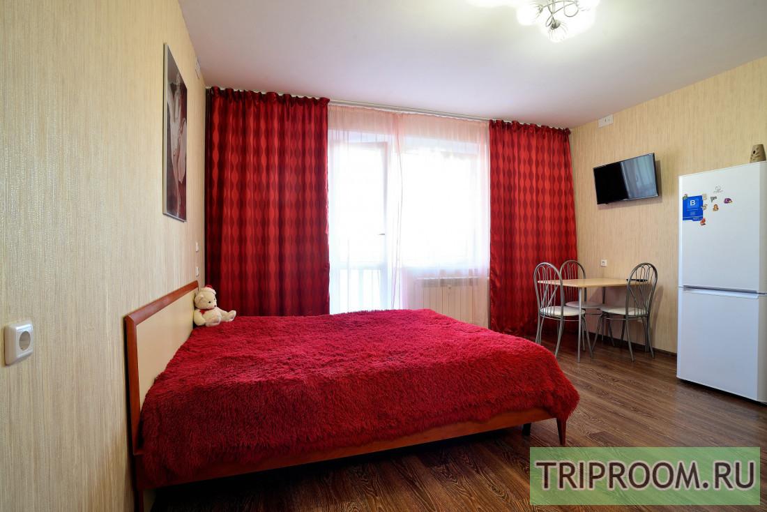 1-комнатная квартира посуточно (вариант № 38803), ул. Братьев Кашириных улица, фото № 1