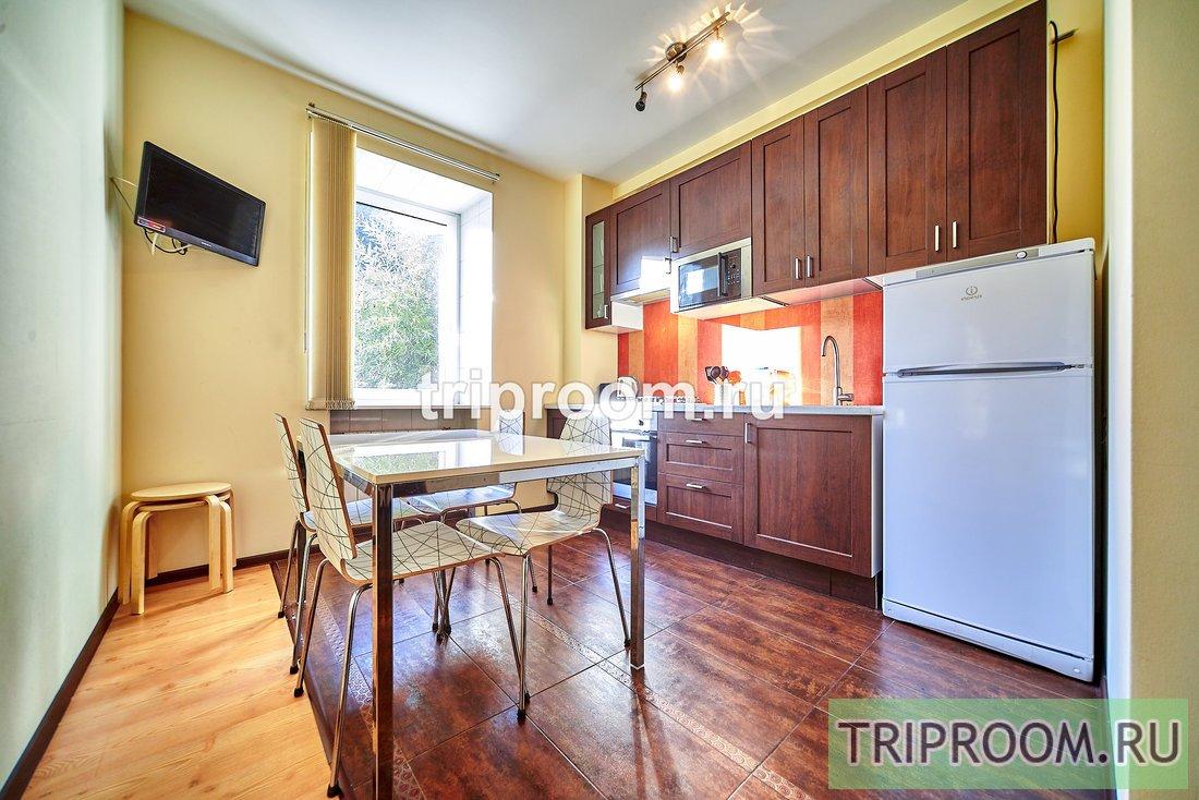 2-комнатная квартира посуточно (вариант № 15075), ул. канала Грибоедова набережная, фото № 9