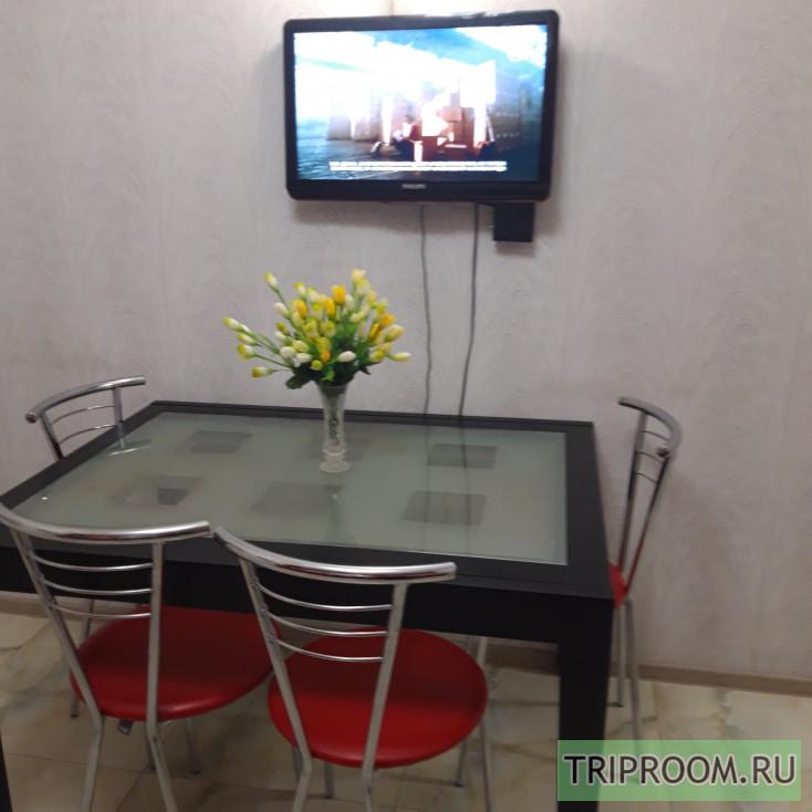 1-комнатная квартира посуточно (вариант № 10338), ул. Октябрьской Революции проспект, фото № 12