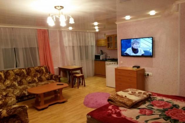 2-комнатная квартира посуточно (вариант № 3311), ул. Октябрьская улица, фото № 2