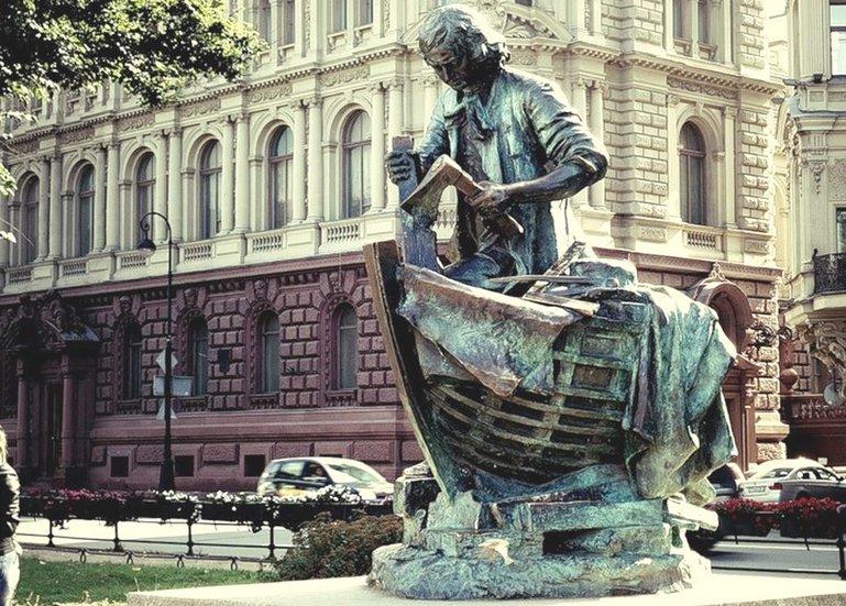 памятник Петру I Санкт-Петербурге